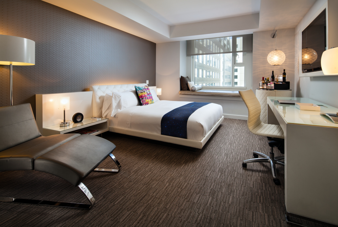 King Spectacular Guest Room