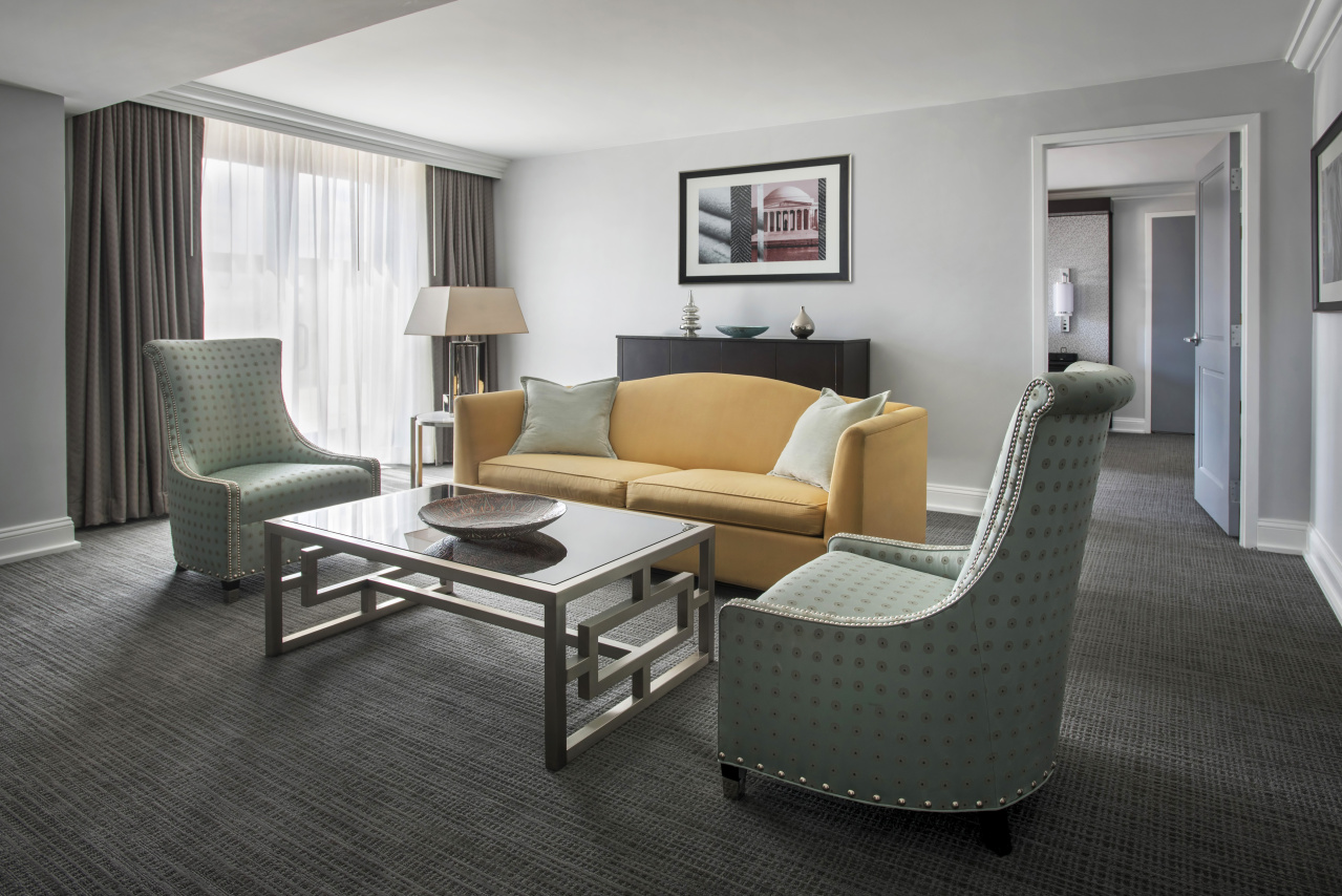 Lincoln Suite living room