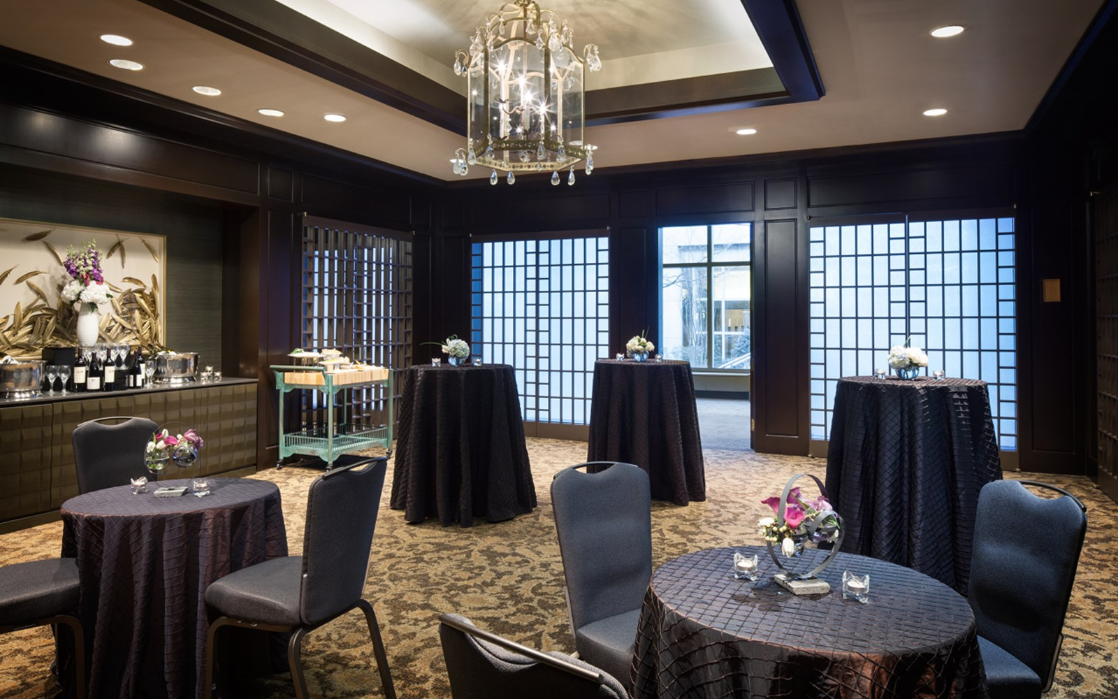 Monticello room in cocktail setup